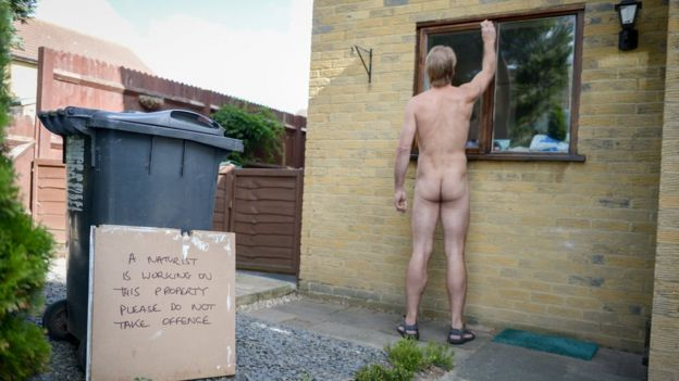 Anyone for nude gardening and DIY? _94003047_nudeman