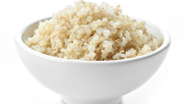Plato lleno de quinoa