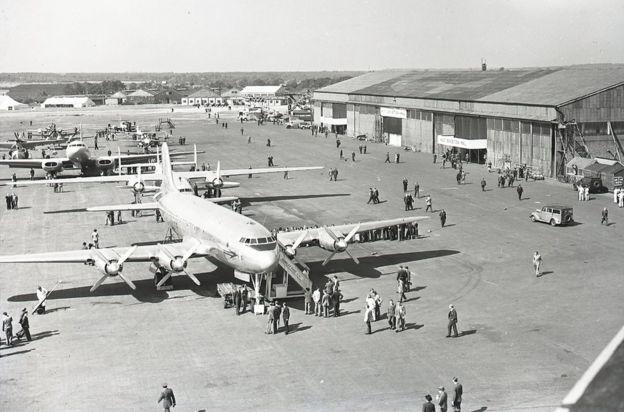Aircraft and visitors at the 1948 Farnborough Air show