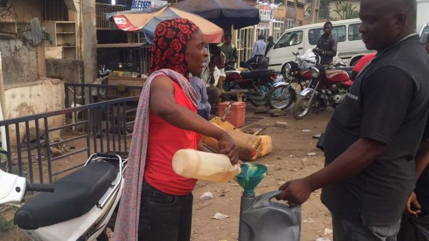 nigeria oil crisis The crisis in anglophone cameroon is damaging the southwest region's economy, with palm oil plantations closing and the cocoa trade tumbling, an ngo report said wednesday university of buea.