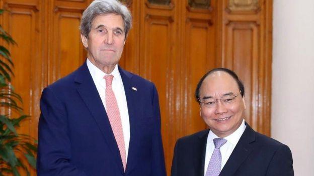 Thủ ̉tướng Phúc đón Ngoại trưởng sắp mãn nhiệm John Kerry của Hoa Kỳ đến Việt Nam