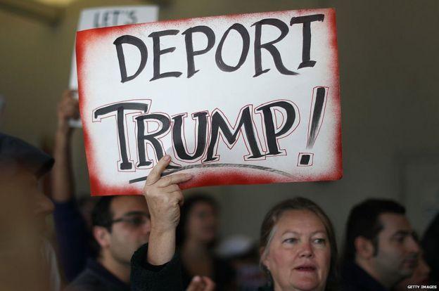 Pancarta contra Trump