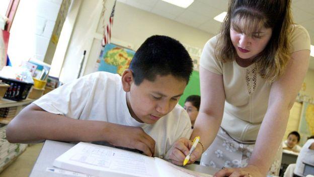 Países que avaliam professores apresentam melhores resultados educacionais
