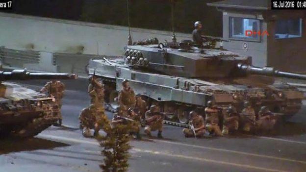 Turkish troops open fire, 16 July '16