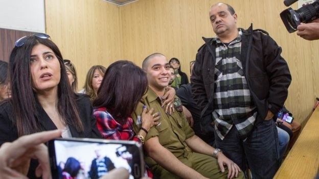 الجندي الإسرائيلي عزاريا في جلسة المحكمة العسكرية في تل أبيب