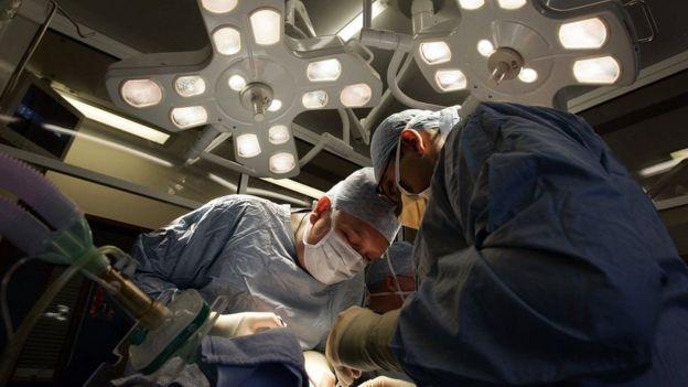 Operación de trasplante de riñón