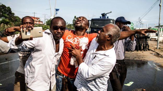 Wafuasi wa Bw Ping walikabiliana na polisi