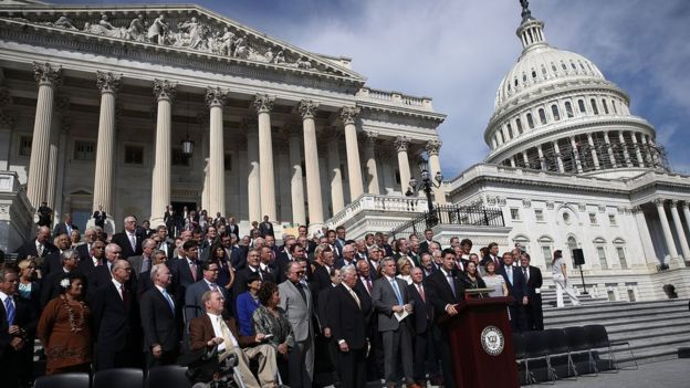 Lawmakers sing