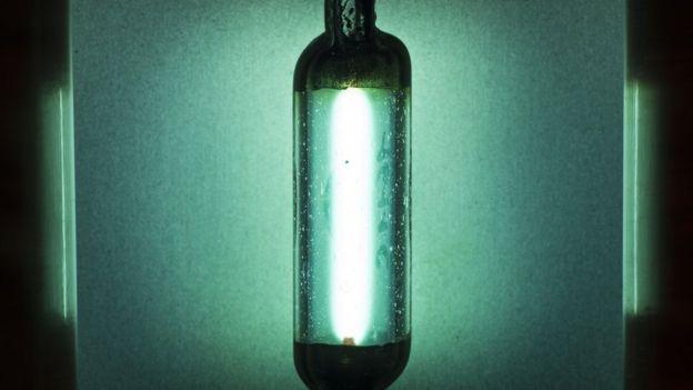 Foco de luz ultravioleta