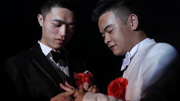Una pareja gay se casa