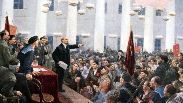 Картина: Ленін виступає у Смольному в жовтні 1917 року