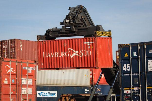 Contenedores en el puerto de Tilbury, Inglaterra.