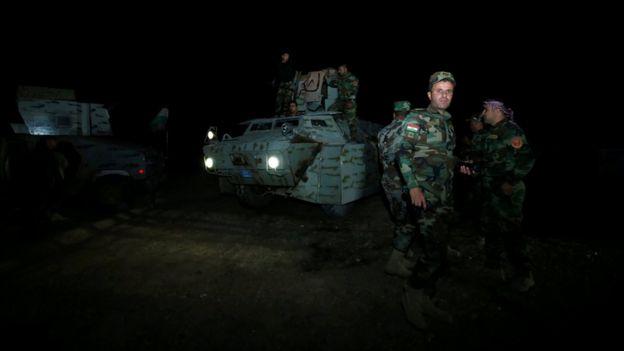 モスル東部で奪還作戦の準備をするクルド人部隊ペシュメルガ