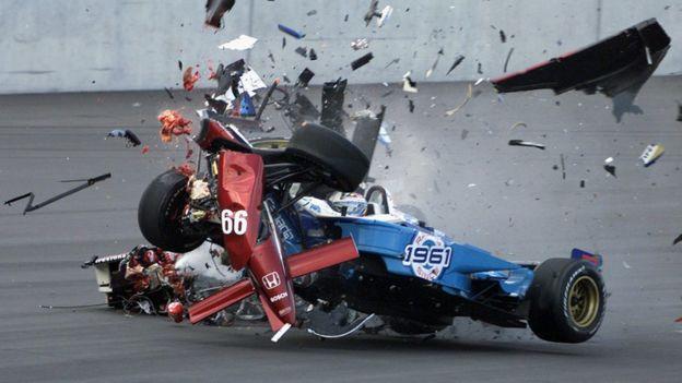 Tagliani choca contra el auto de Zanardi.
