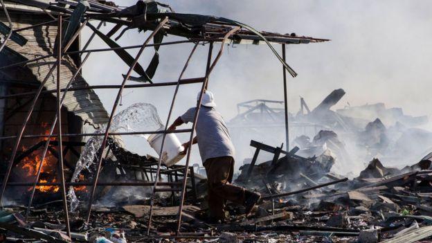 爆炸發生在墨西哥城外約32公里的聖巴布里多大型煙花市場。
