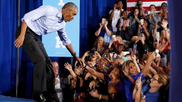 Barack Obama con votantes
