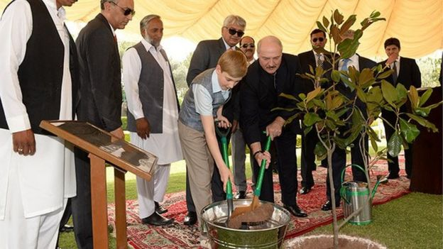 The ceremony of planting a tree in Shakarparian, 29 May 2015