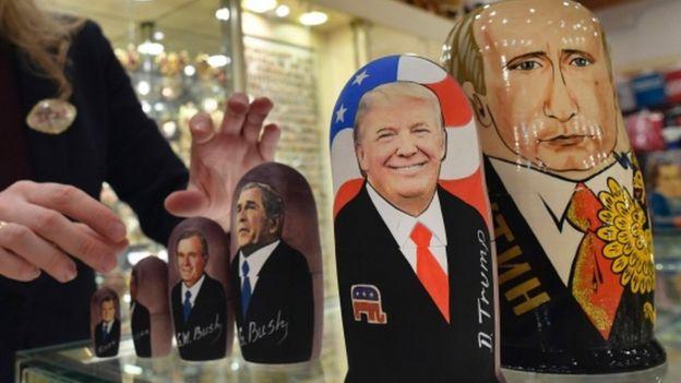 Матрешки с изображениями Дональда Трампа и Владимира Путина