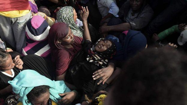 Una mujer se desmayó durante la operación de rescate