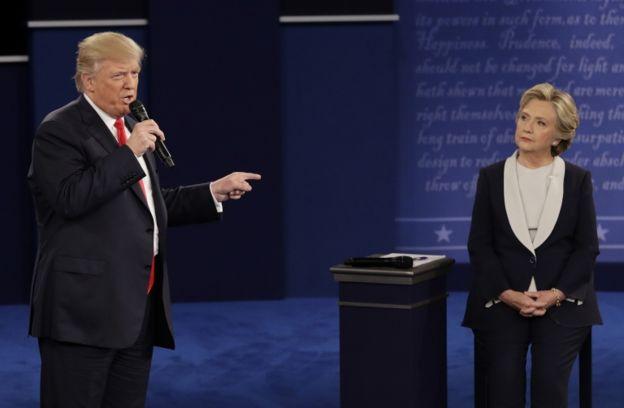 Trump y Hillary, en su segundo debate cara a cara.
