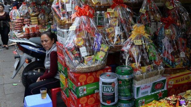 Các gói quà Tết Nguyên đán là một phần của phong tục và tập quán văn hóa ở Việt Nam
