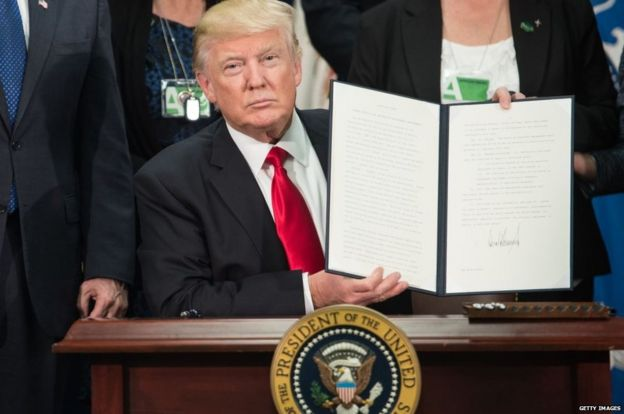 Trump firma la orden ejecutiva