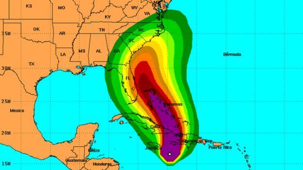 Resultado de imagen para Huracán Matthew llega a la costa de Haiti