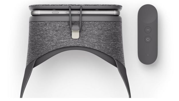 Daydream View headset and controller