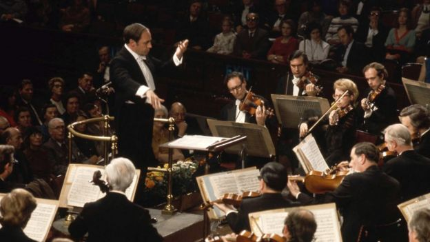 Pierre Boulez with the BBC Symphony Orchestra in 1972