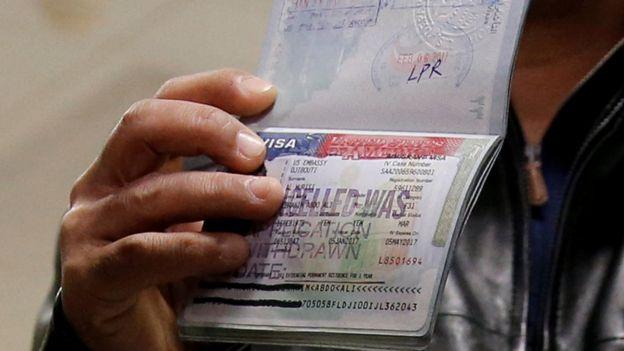 گذرنامه یمنی با ویزای آمریکا