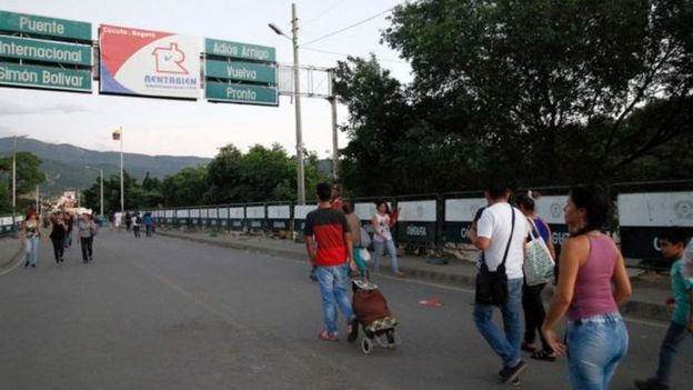 Kolombiya-Venezuela sınır kapısı