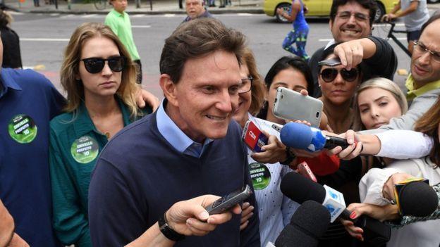 Marcelo Crivella (PRB), frente a los medios