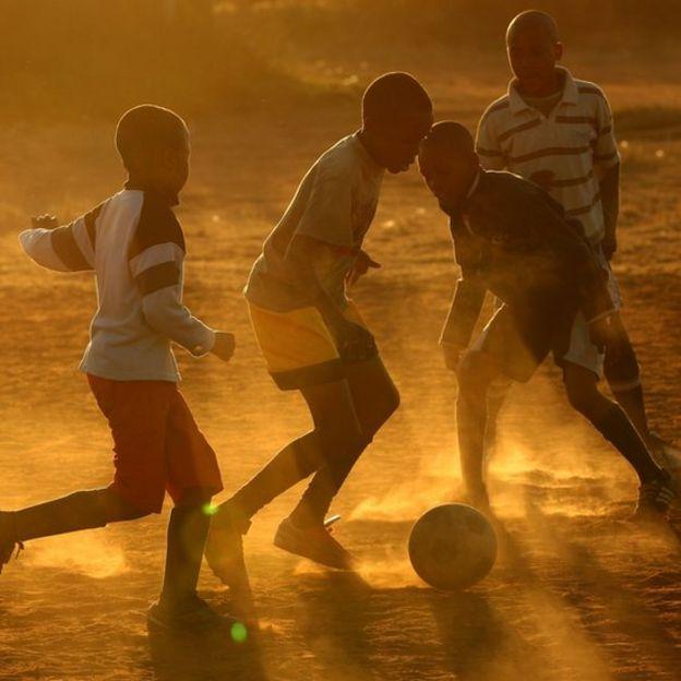 Niños jugando en Sudáfrica