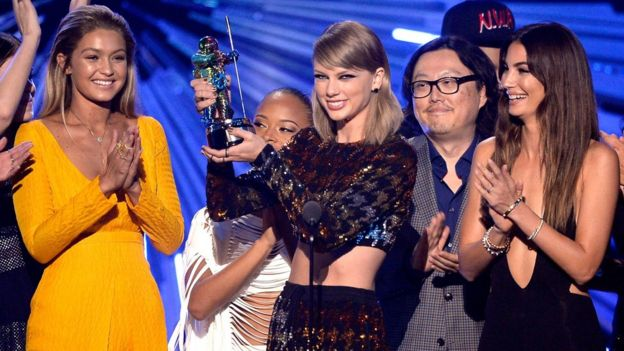 Model Gigi Hadid, actress Serayah, recording artist Taylor Swift, director Joseph Kahn, model Lily Aldridge accept the Video of the Year award for 'Bad Blood' onstage during the 2015 MTV Video Music Awards at Microsoft Theater on August 30, 2015 in Los Angeles, California.