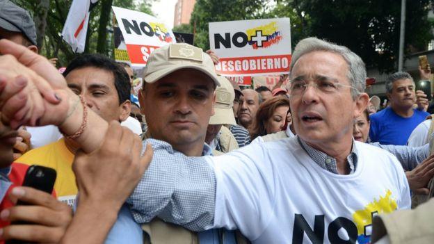 El expresidente Álvaro Uribe en un acto de campaña a favor del