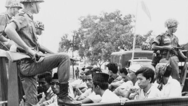 Miembros del ala juvenil del PKI detenidos tras la muerte de los seis generales.