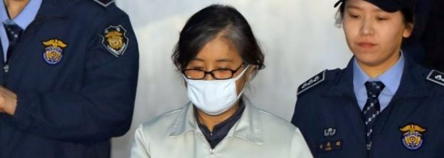 Choi Soon-sil is taken into court in Seoul