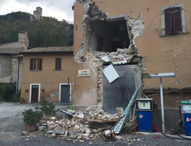 Damaged building in Visso (source: bbc.com)