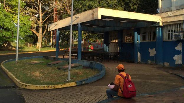 Entrada a las urgencias pediátricas del hospital de Guaiparo