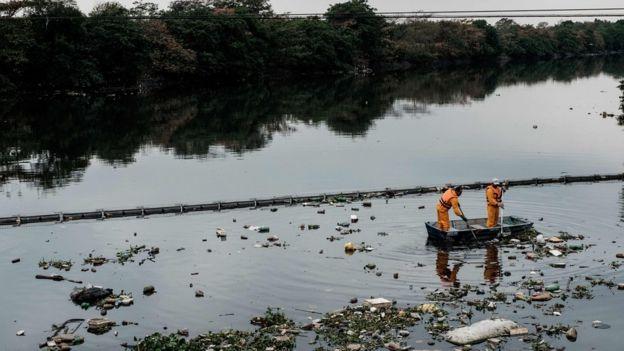 Limpieza en la Bahía de Guanabara