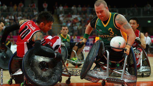 La sillas sufren mucho durante los partidos de rugby paralímpico
