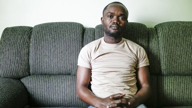 Ephata Tshiaba, do Congo, percebe o racismo em situações corriqueiras, como quando usa o metrô