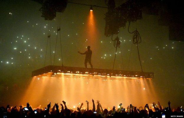 Kanye West alisitisha kwa ghafla tamasha lake