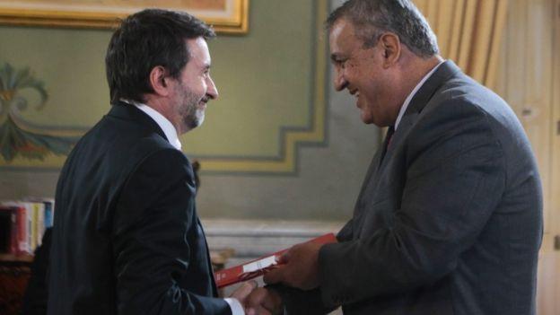 El presidente de Repsol, Josu Jon Imaz, y el de PDVSA, Eulogio del Pino
