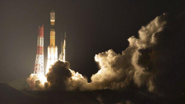 El recolector de basura fue lanzado al espacio usando una nave de cargo que despegó este viernes del Centro Espacial de Tanegashima.