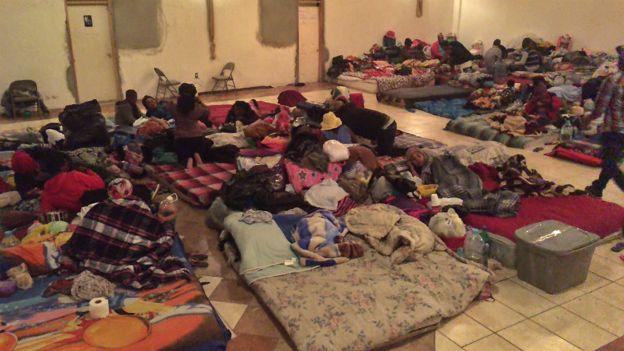 Haitianos en una iglesia en Tijuana