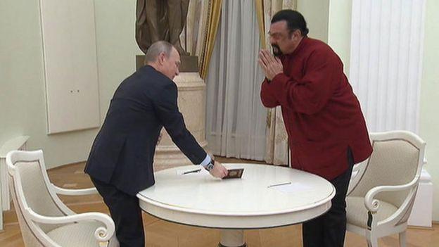 Суратда: Владимир Путин ва Голливуд актёри Стивен Сигал