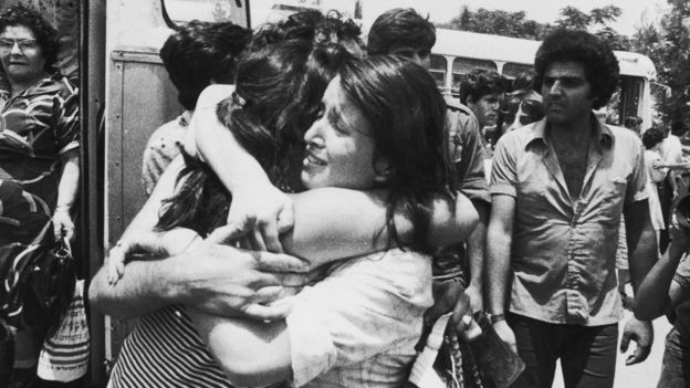 An emotional reunion in Tel Aviv after the Entebbe hijacking in Uganda - 1976