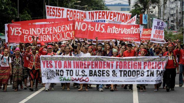 Đa số người biểu tình là sinh viên và người lao động.