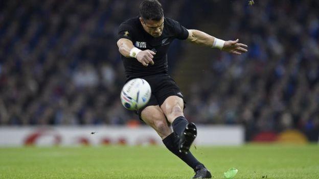 Dan Carter's penalty kick